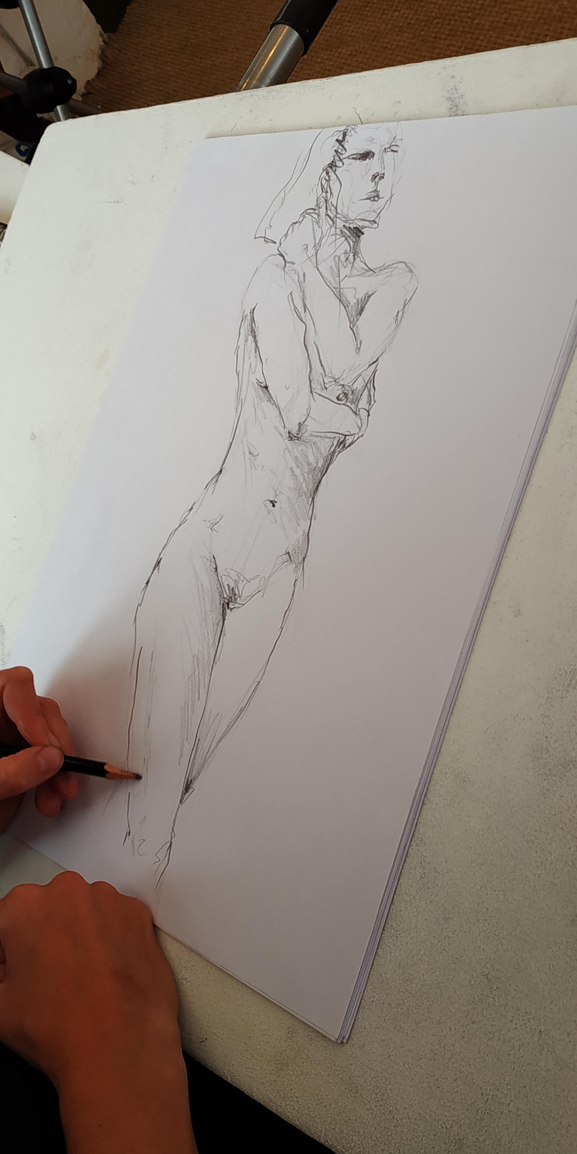 Croquis de mod�le vivant r�alis� � l'atelier  cours de dessin