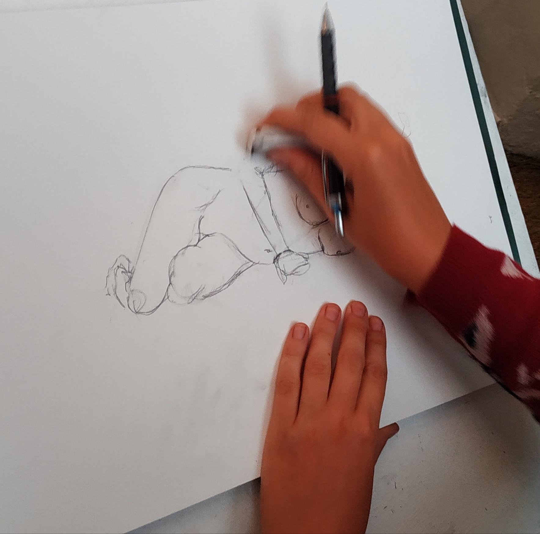 �bauche dessin mod�le vivant allong�  cours de dessin