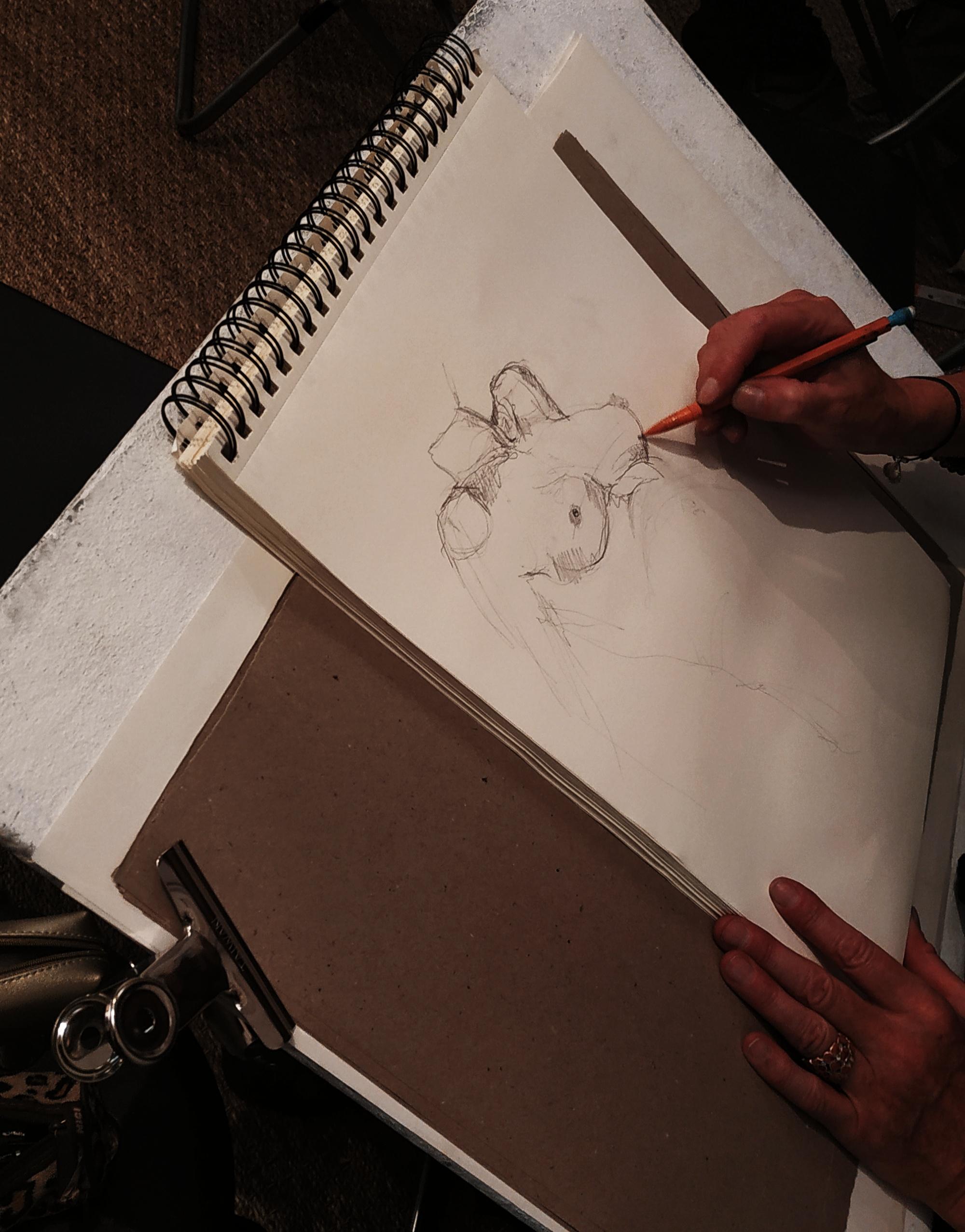 Dessin mod�le vivant femme  cours de dessin