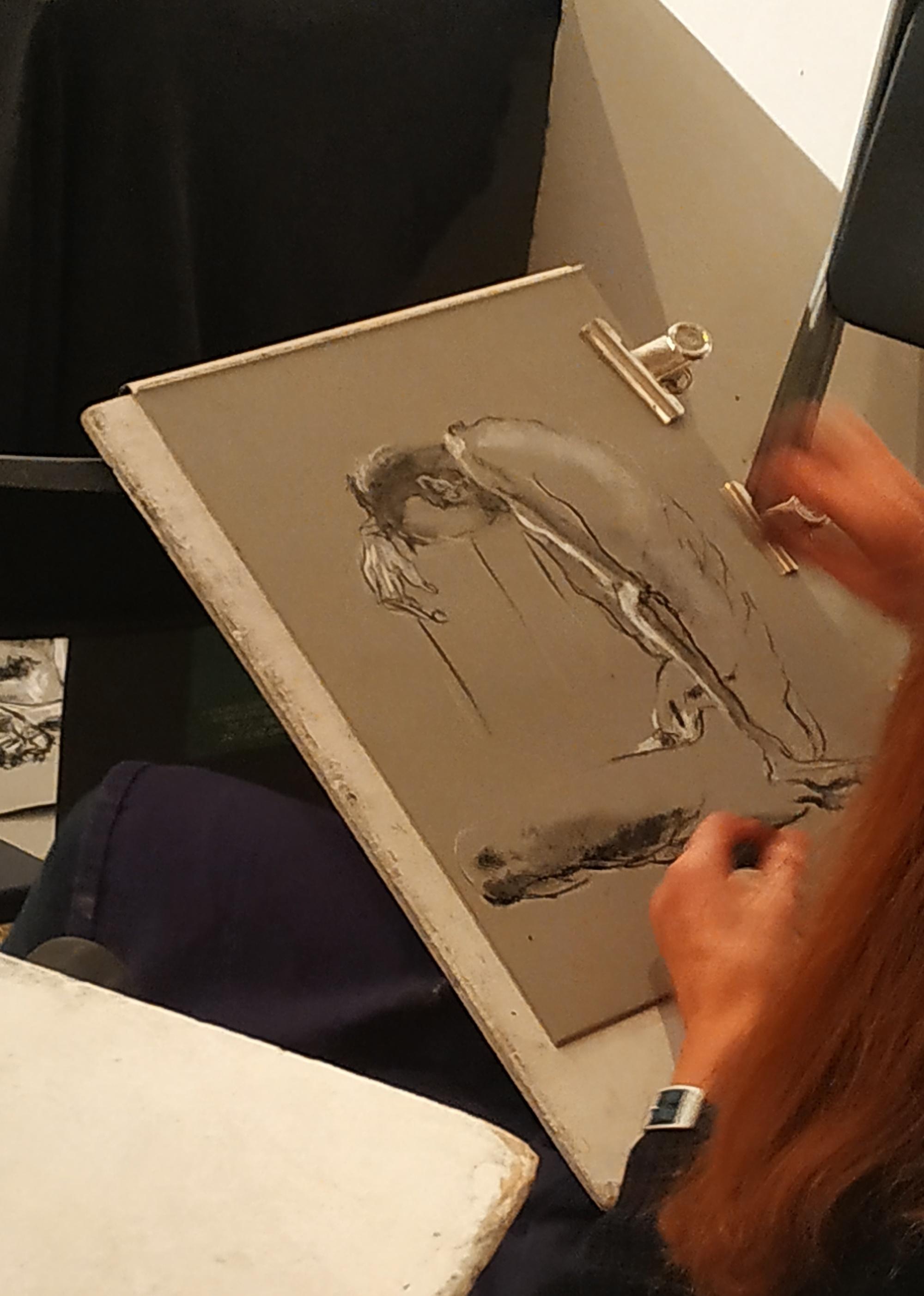 Dessin Pierre noir craie blanche sur papier color�  cours de dessin