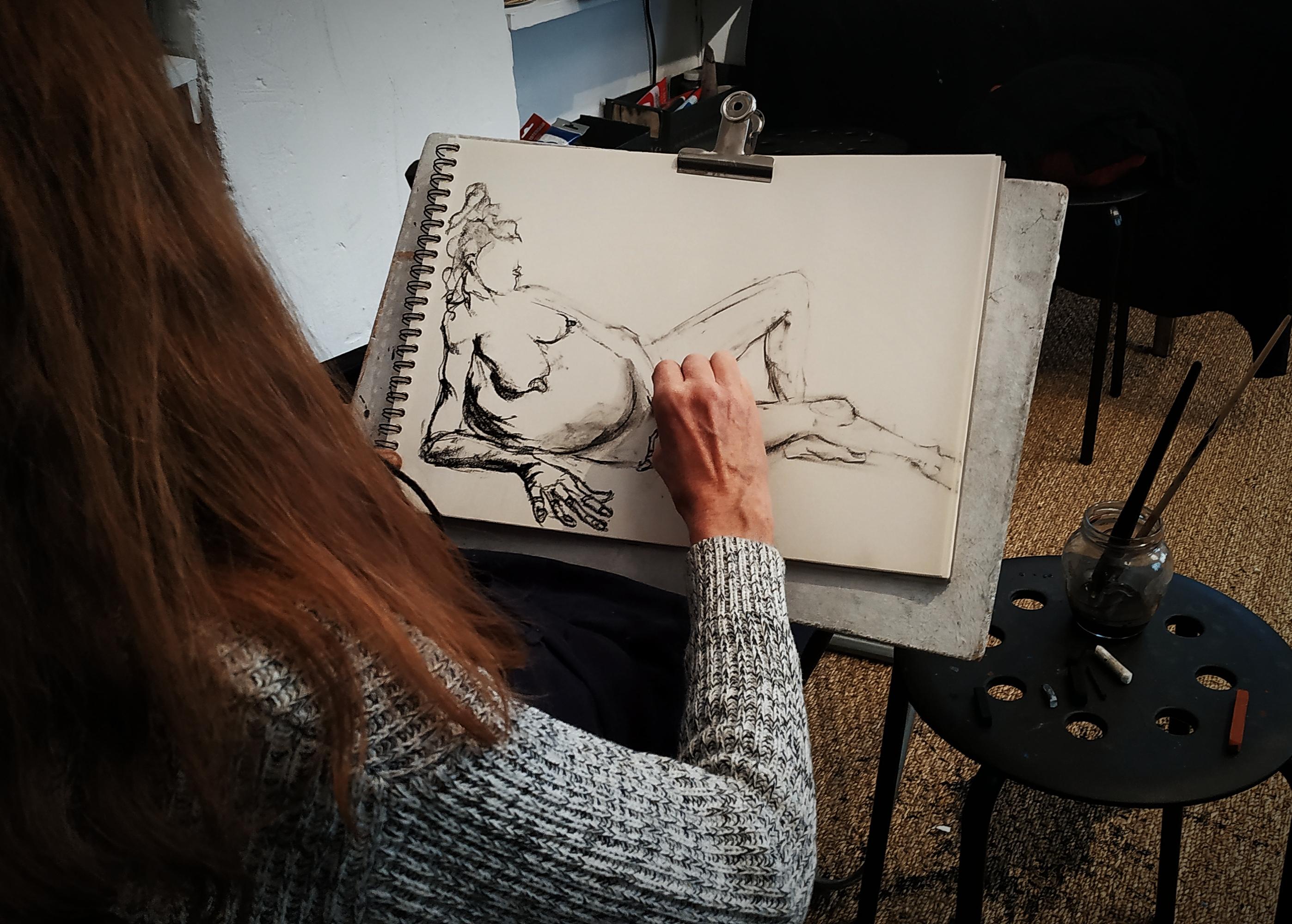 Dessin crayon papier fusain encre de Chine  cours de dessin