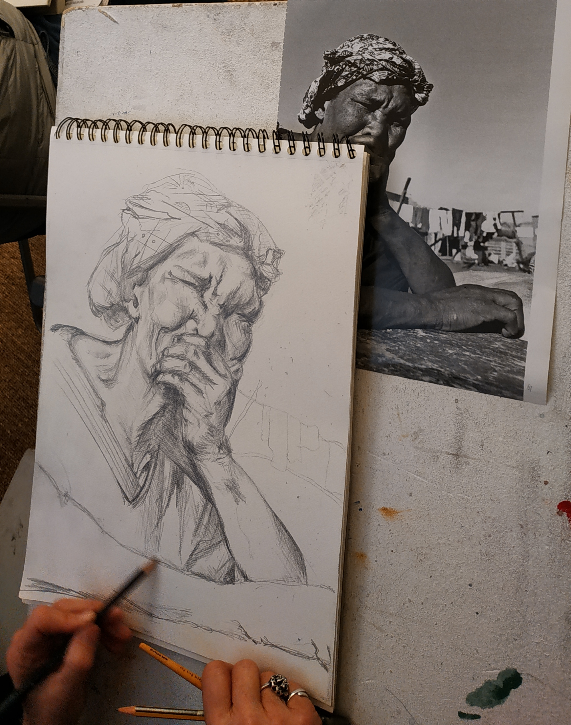 Portrait graphite sur papier  cours de dessin