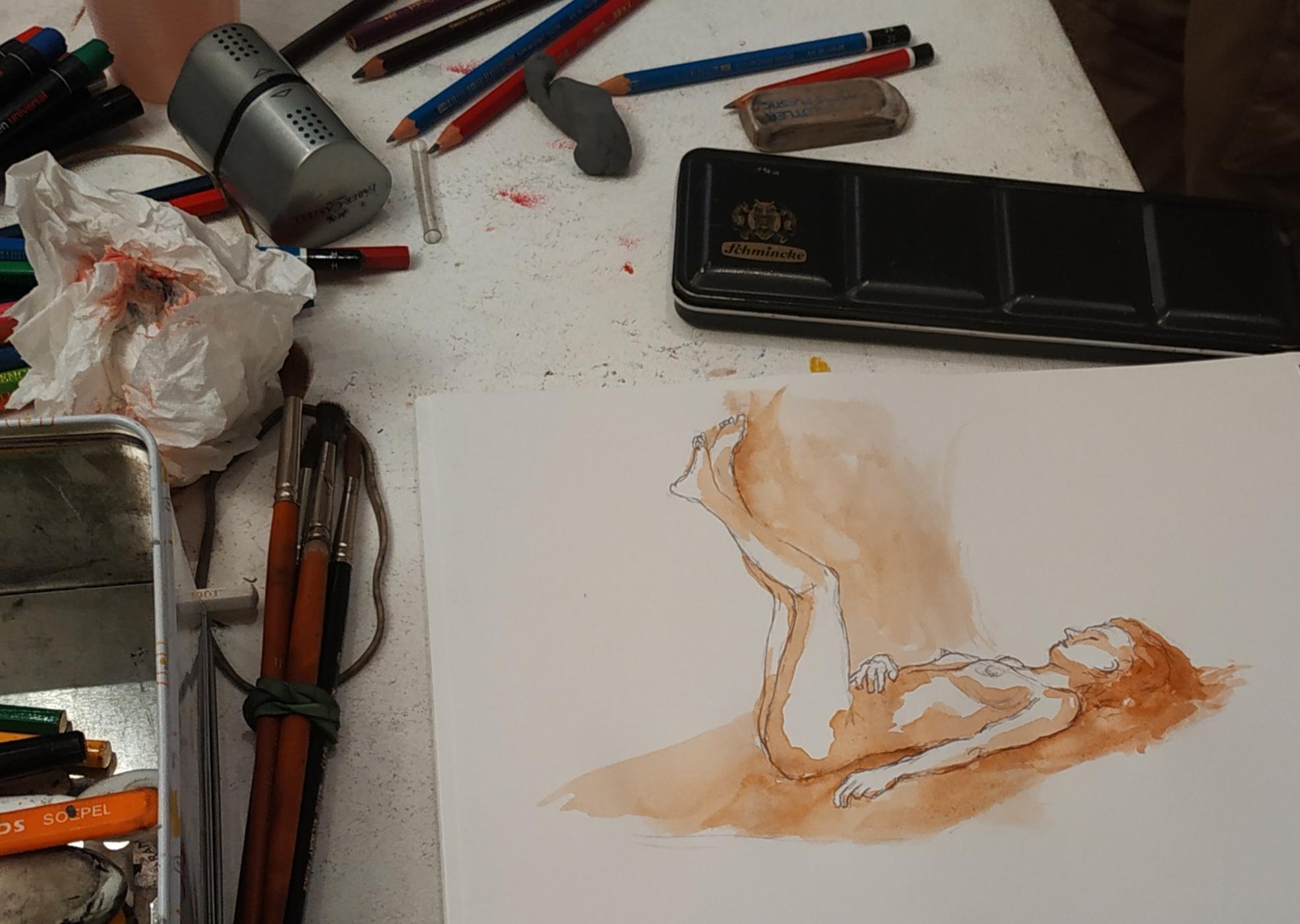Croquis femme aquarelle  cours de dessin
