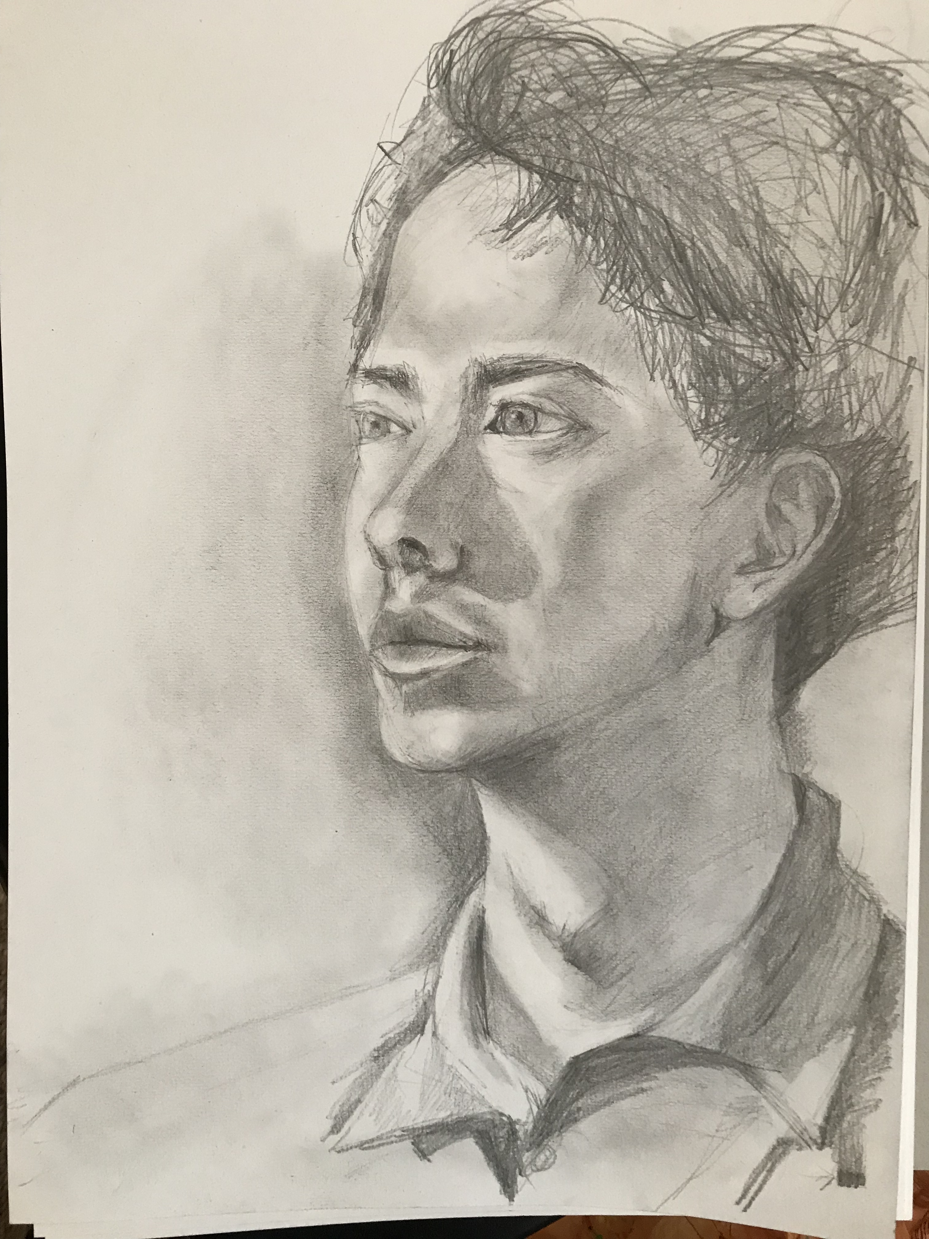 Portrait fusain Sur papier croquis  cours de dessin
