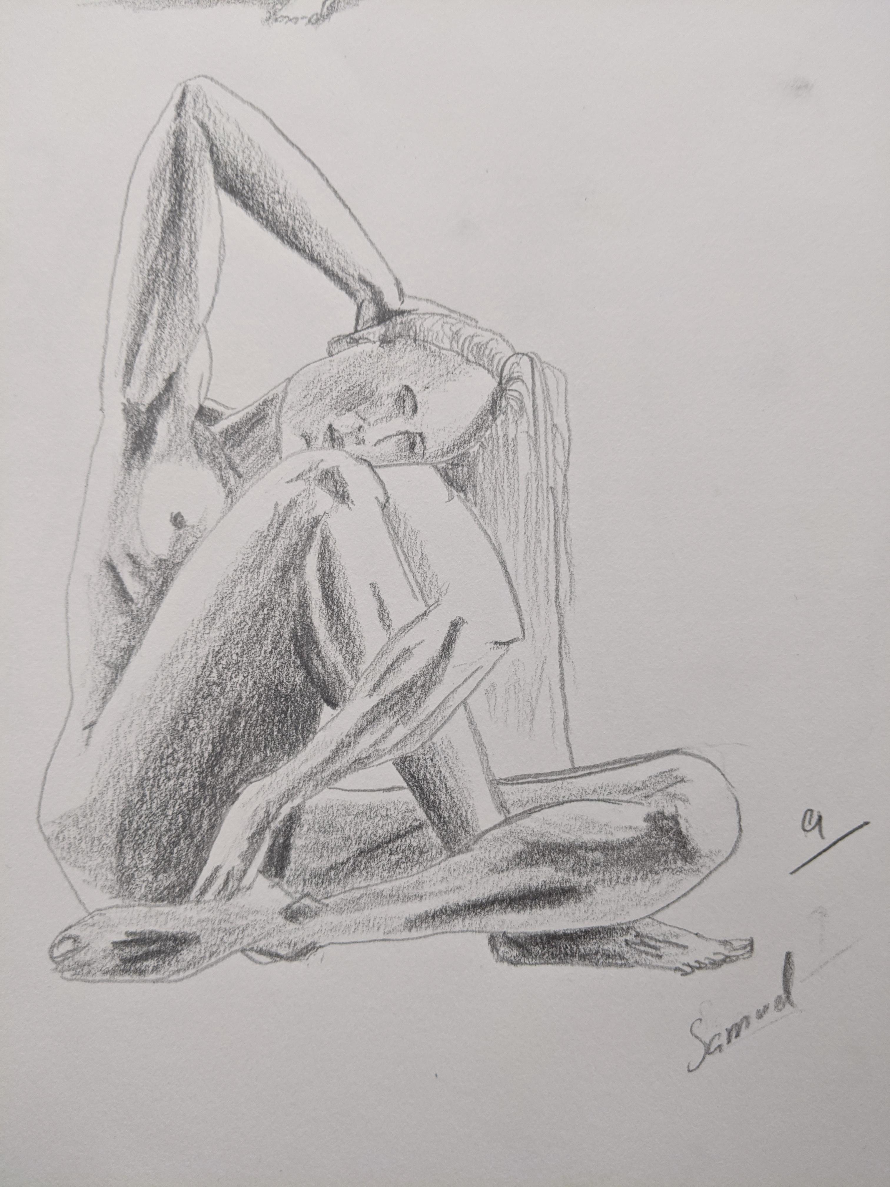 Dessin crayon papier en valeur mod�le assis  cours de dessin