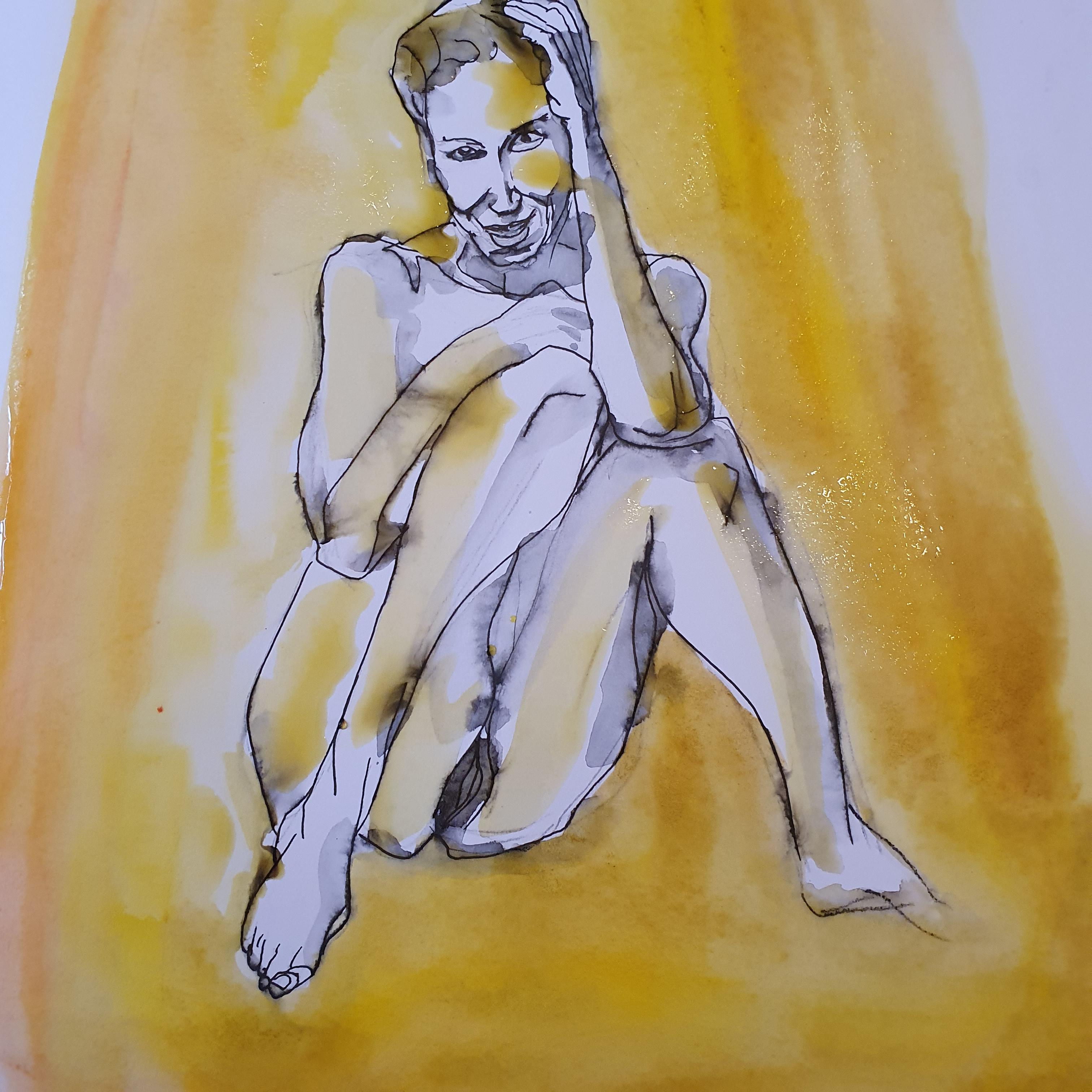 aquarelle femme assise dessin sur fond jaune  cours de dessin