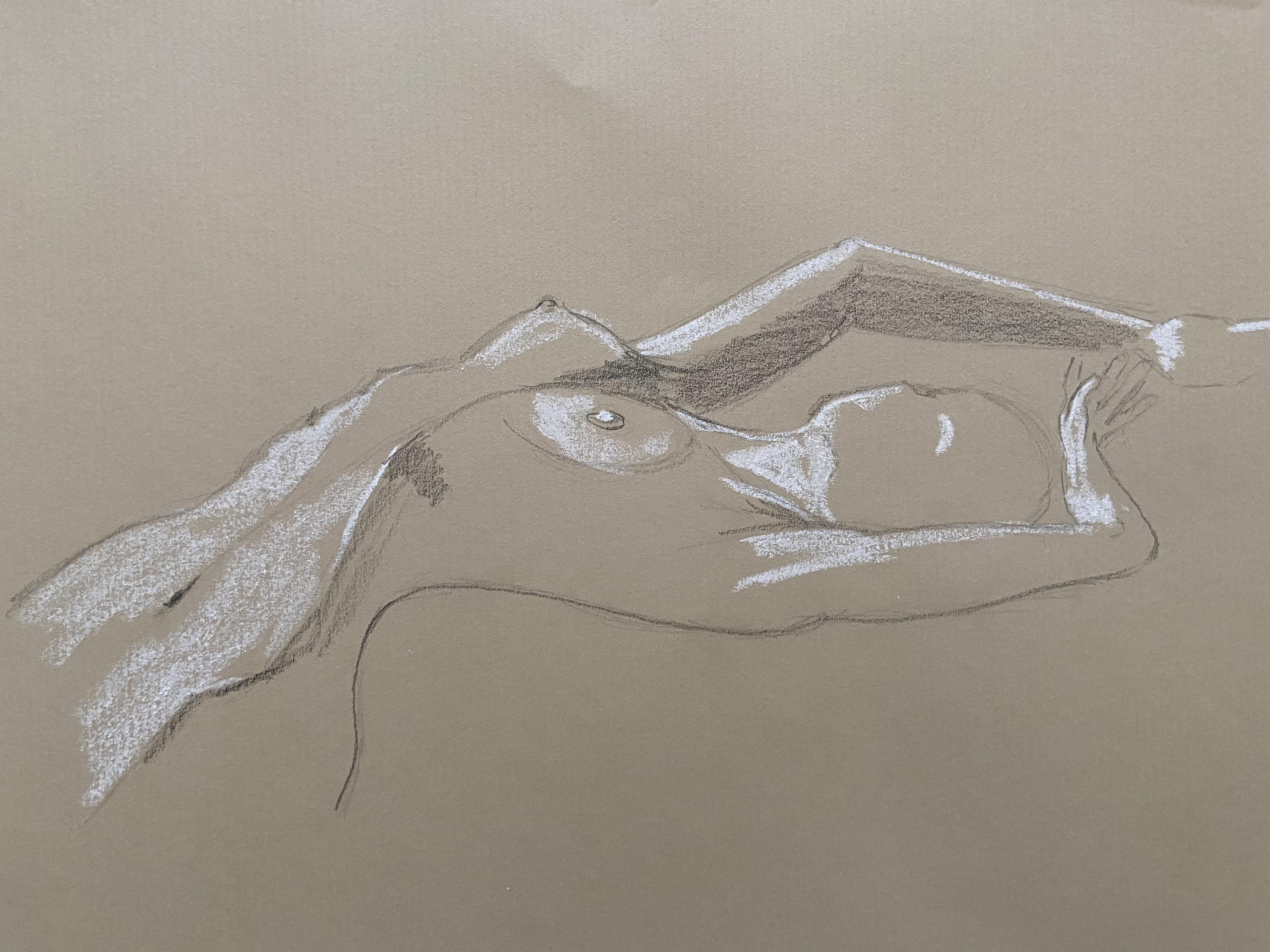Dessin crayon papier craie blanche sur papier Kraft torsion mod�le vivant torse femme  cours de dessin