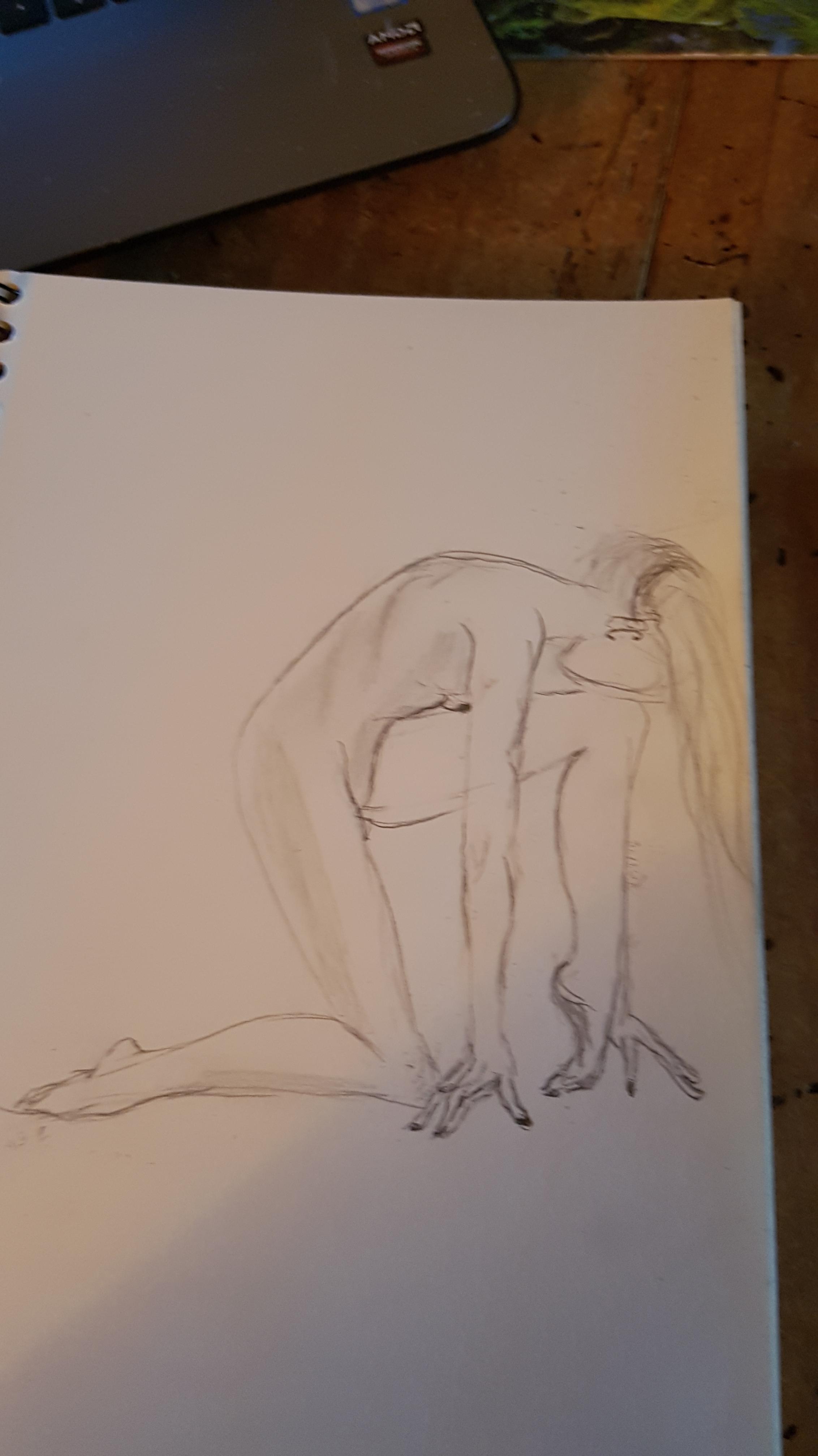 Dessin profil au crayon papier femme accroupi  cours de dessin