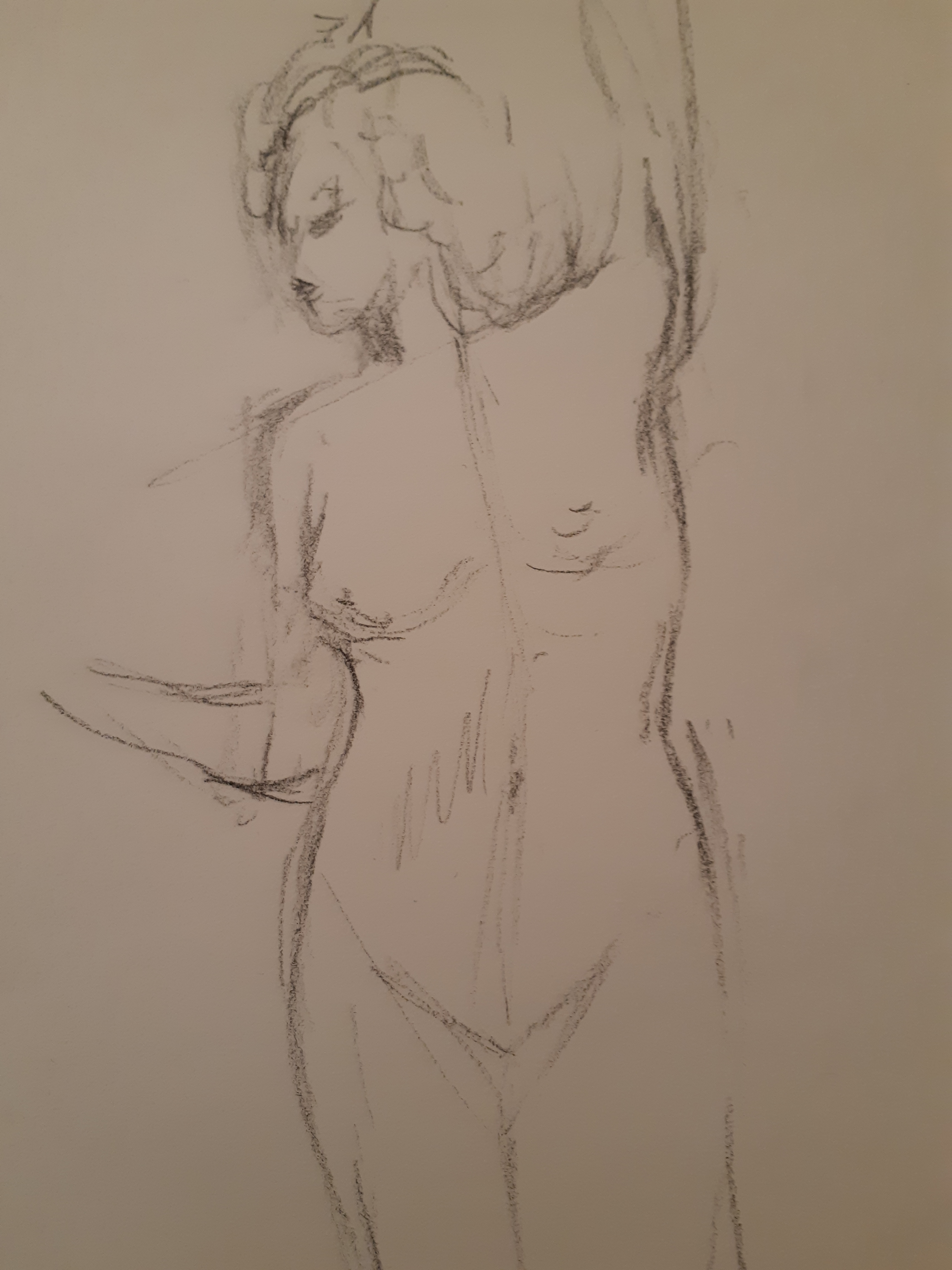Esquisse rapide torse femme fusain sur papier  cours de dessin