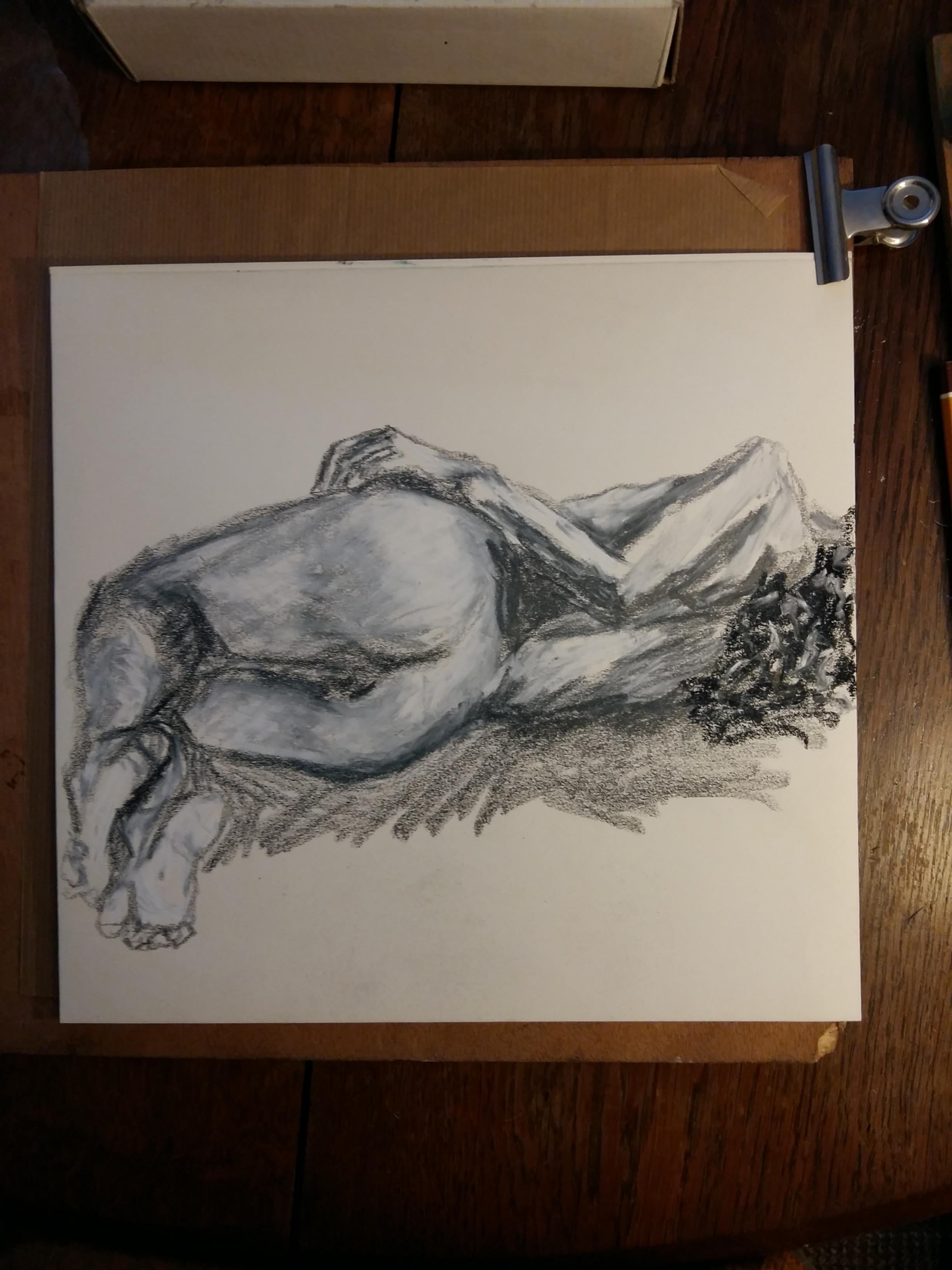 Crème fusain et graphite sur papier femme allongé dos  cours de dessin
