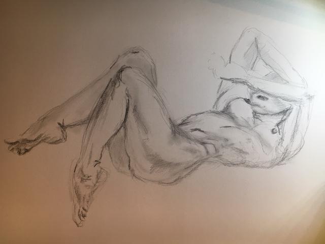 Dessin femme allong� raccourci au crayon papier graphite  cours de dessin