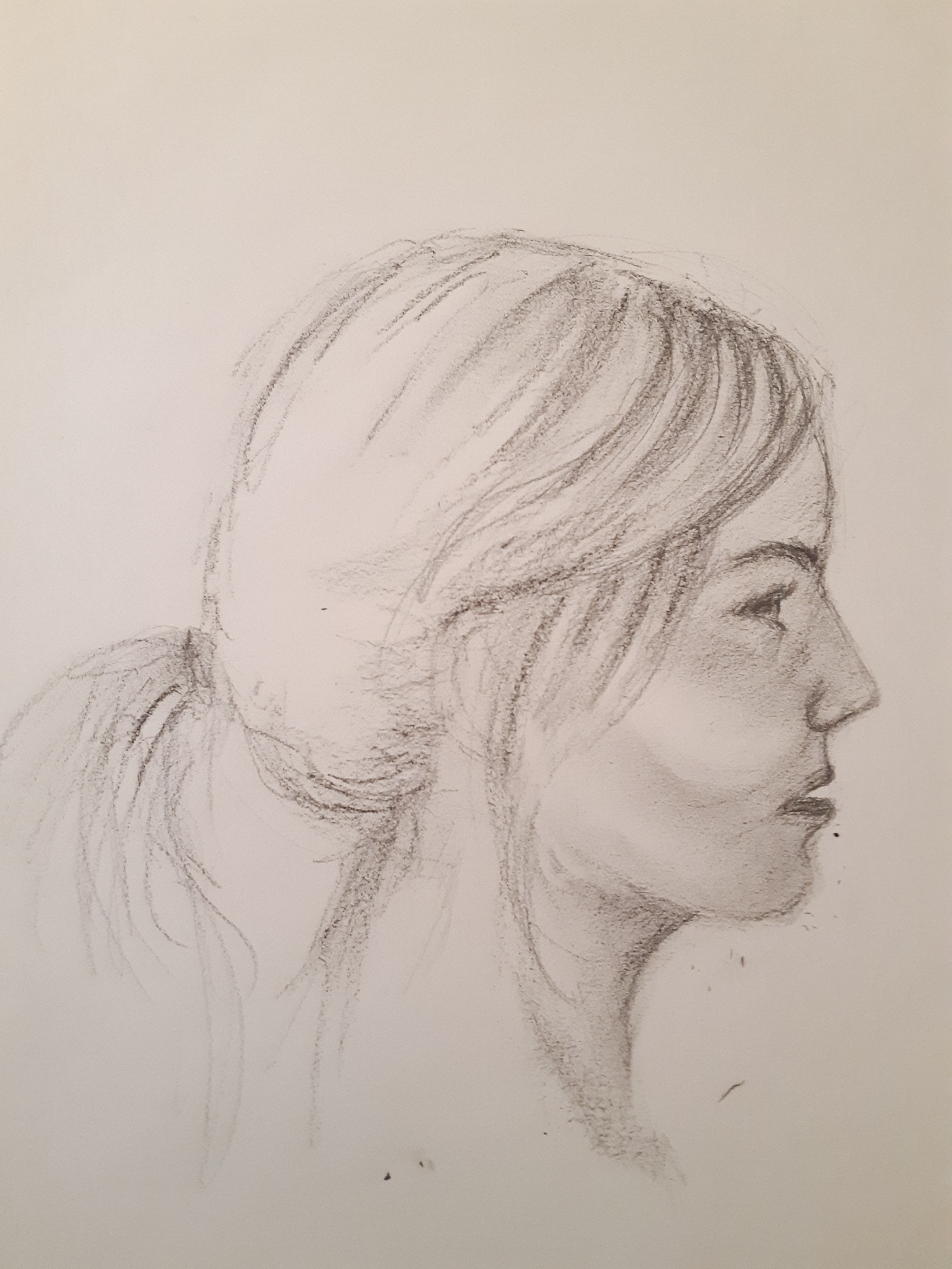 Profil dessin fusain gomme sur papier  cours de dessin