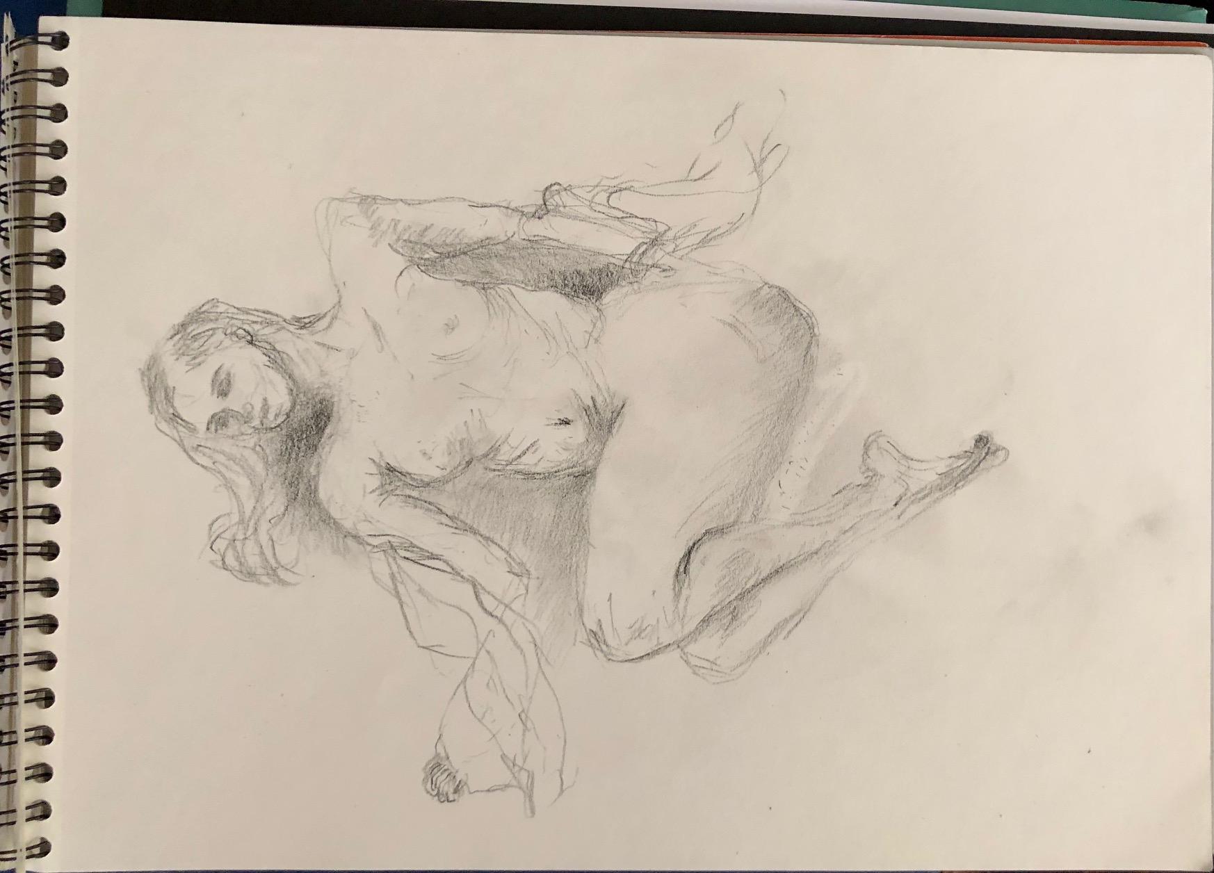 Femme allongée crayon papier hachures carnet de croquis  cours de dessin