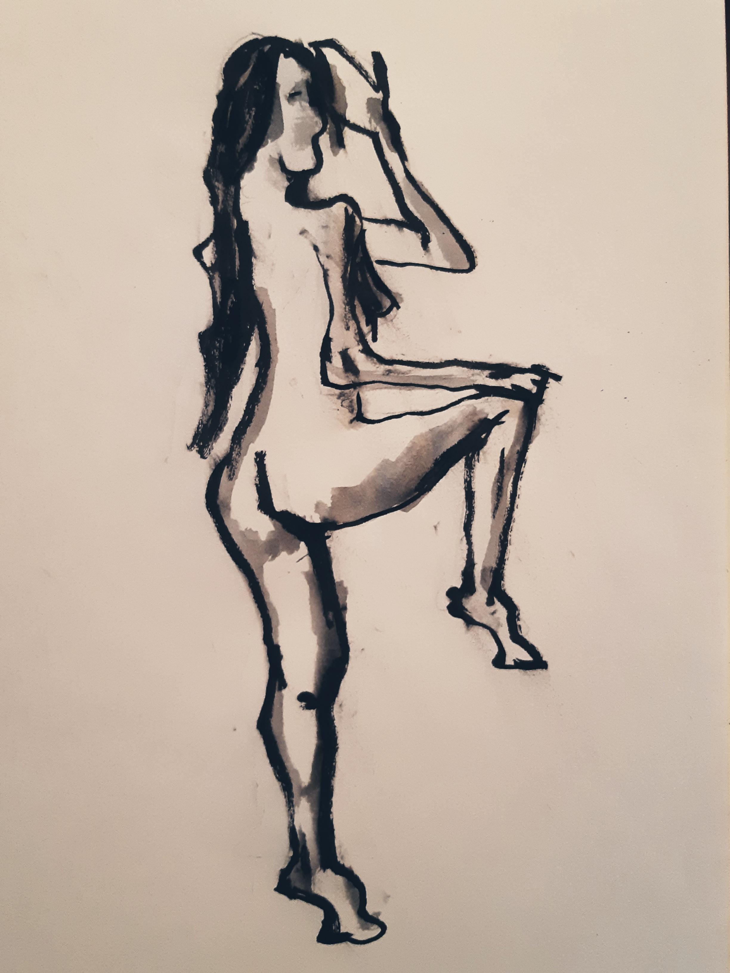 Femme trois quarts dos encre de Chine brute et diluer dessin sur papier  cours de dessin