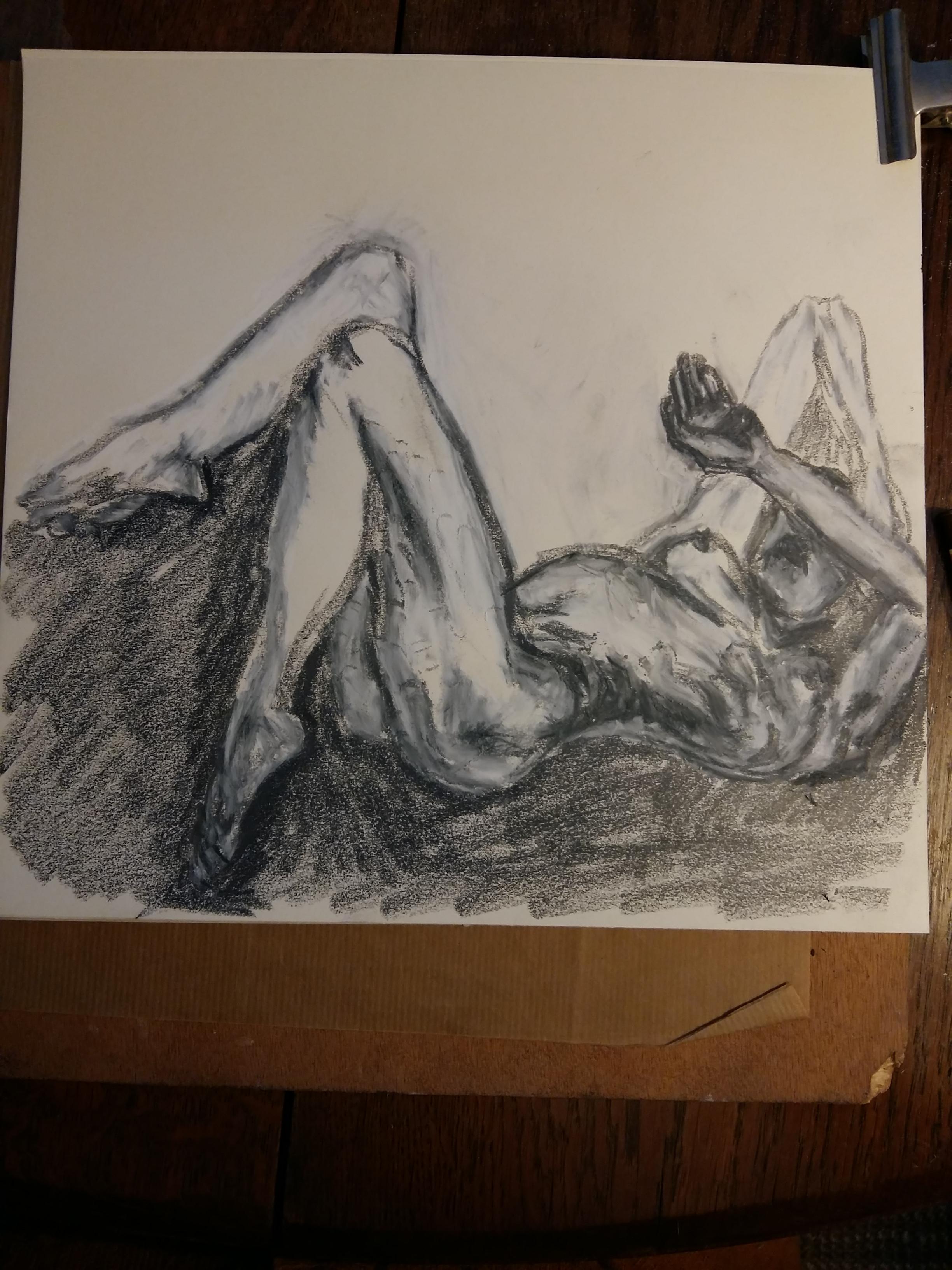 Dessin technique mixte graphite pastel blanc femme allongée dos  cours de dessin