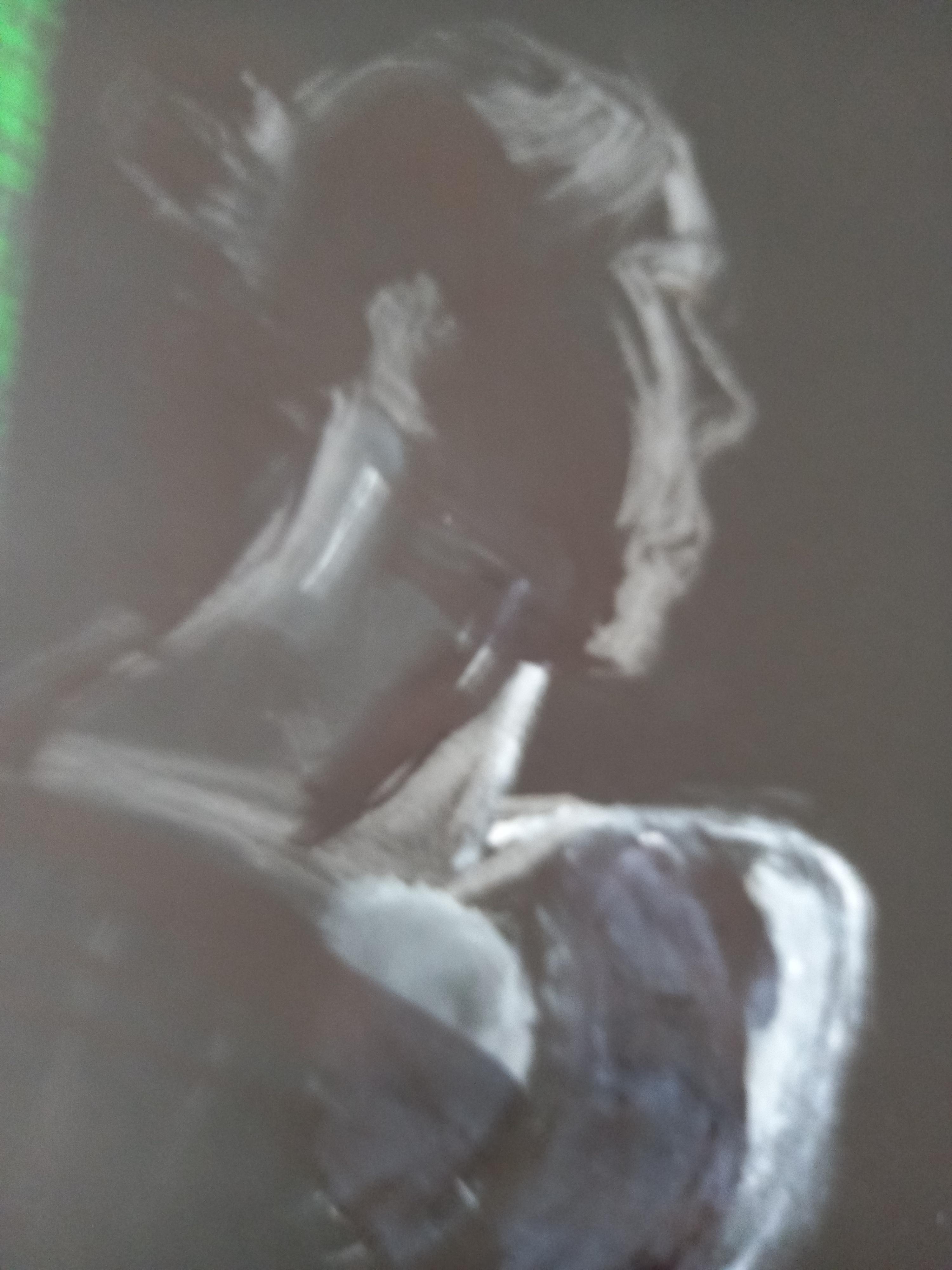 Portrait profil pastel blanc sur fond noir  cours de dessin