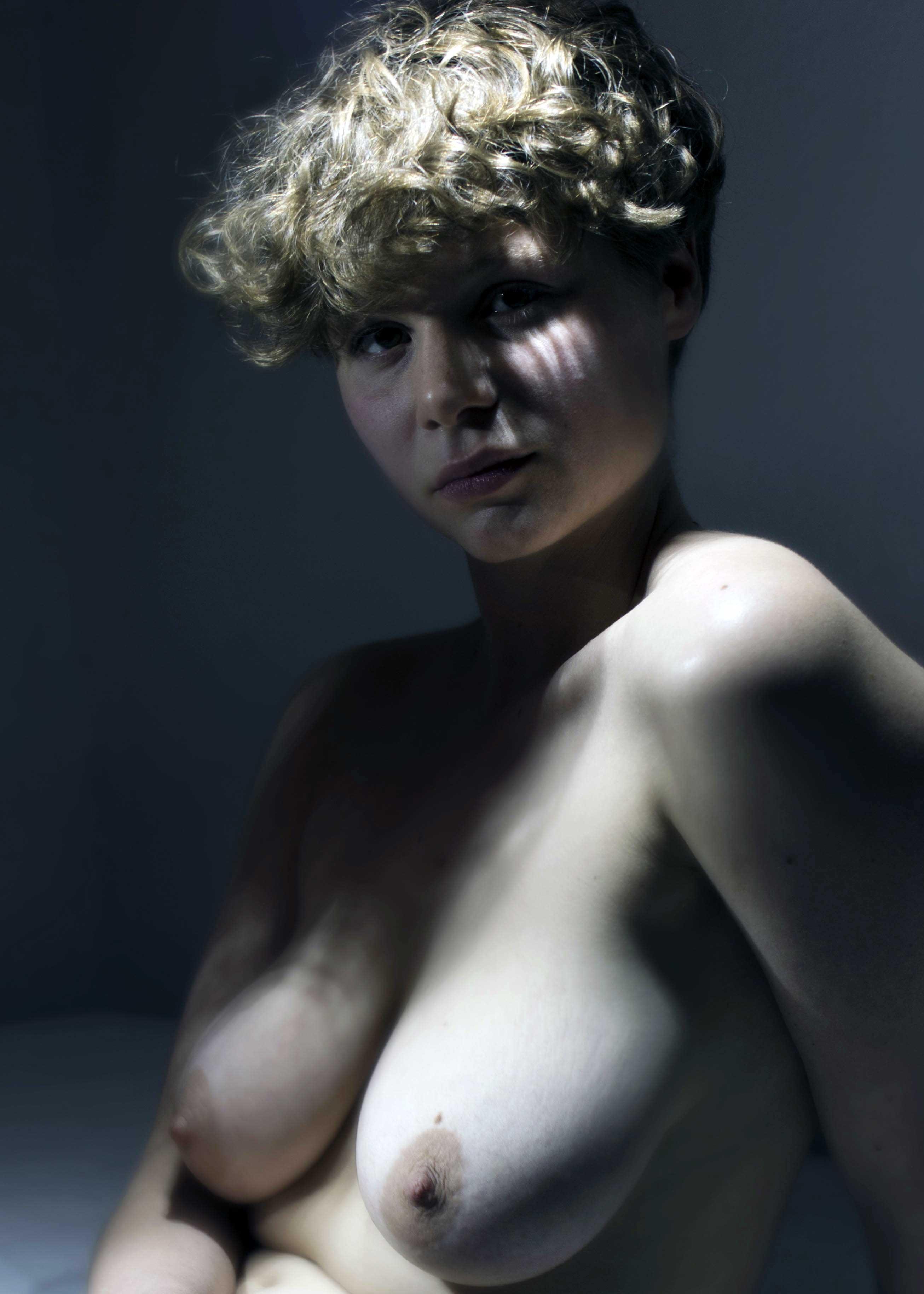 modele vivant femme mathilde